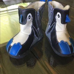 Penguin boots size 4